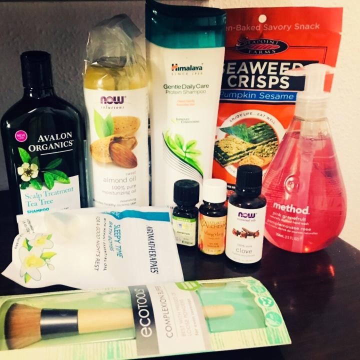 המומלצים שלי מאייהרב: הזמנה מס' 10 שכוללת שמפו, סבון ידיים, פצצות אמבט, מברשת איפור ועוד מלא דבריםמגניבים